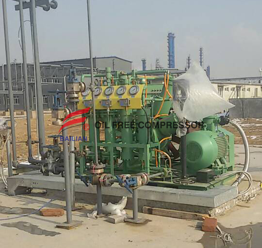 Multistage oil free hydrogen compressor small bottling